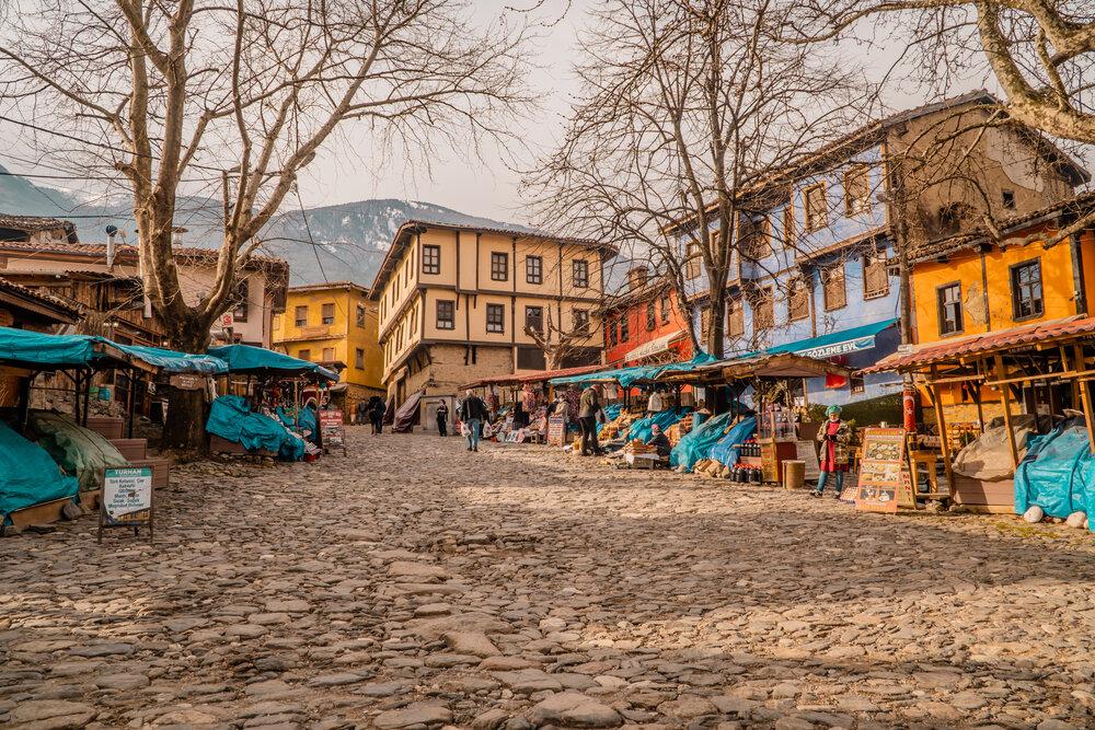 cumalıkızık köyü'nde eski ahşap evler, köy manzarası, osmanlı evleri, Türkiye'de görülmesi gereken yerler