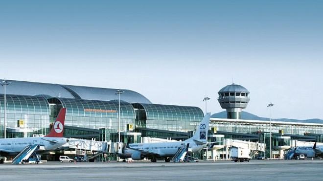 İzmir Adnan Menderes Havalimanı araç kiralama