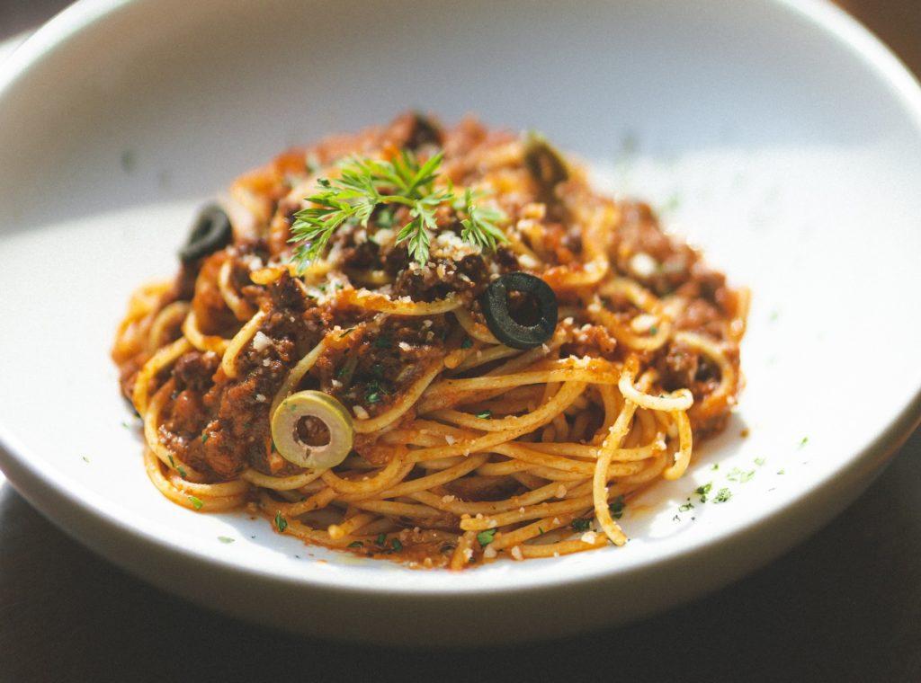 Salçalı makarna, spaghetti bolognese, spagetti, yaz yemekleri