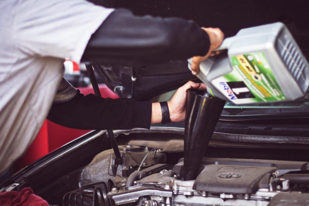 periyodik araç bakımı nasıl yapılır, motor yağı değişimi