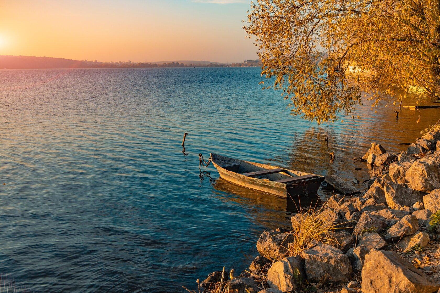 eylül ayında gezilecek yerler, göl manzarası