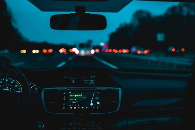 avrupa yakası İstanbul'da Araba Sürülecek Yerler akşam sürüşü, araç içi, araba içi, direksiyon eğitimi