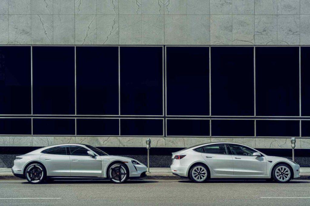 elektrikli araç türleri, elektrikli araç çeşitleri, elektrikli araba çeşitleri, gri metalik renkli elektrikli otomobiller